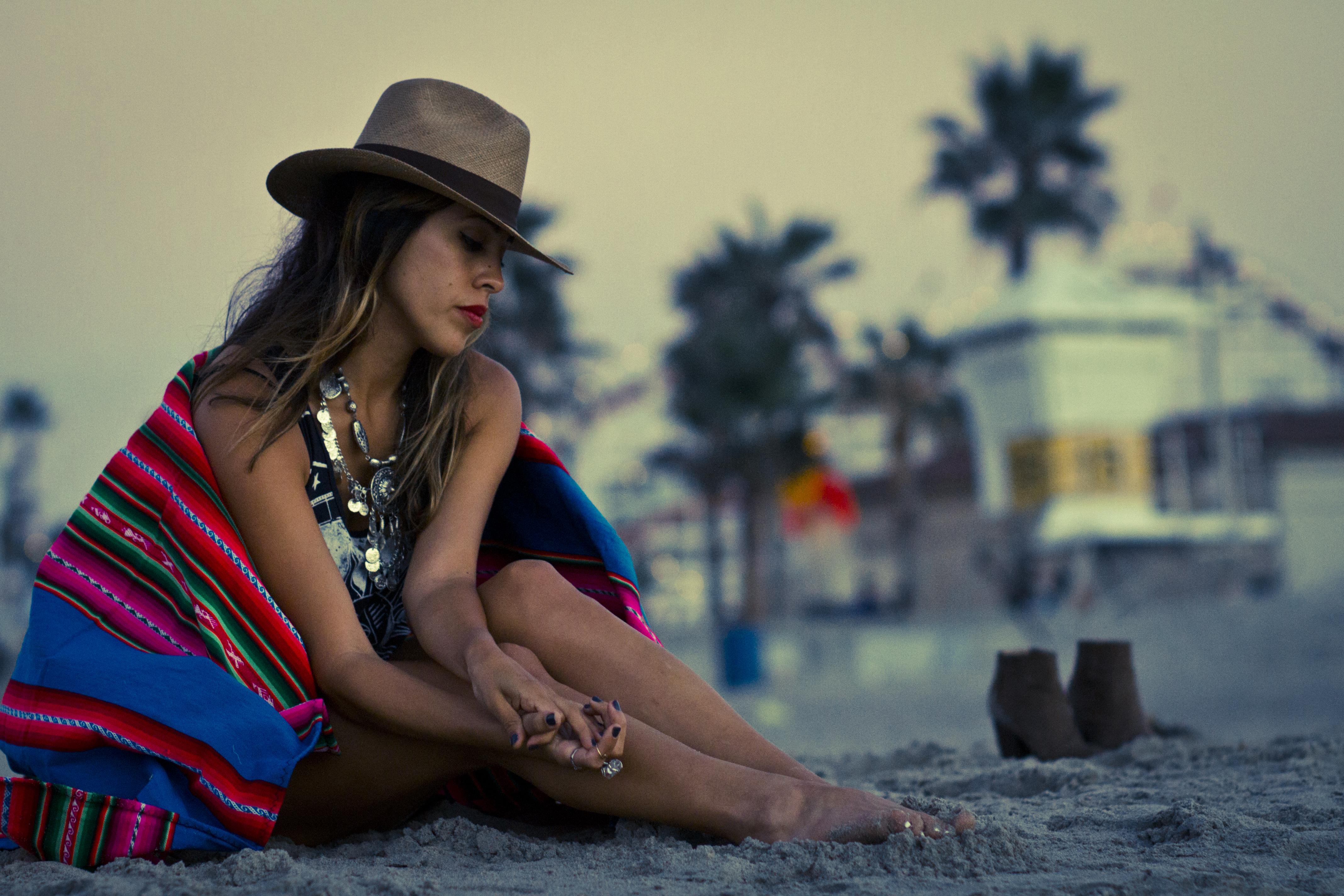 2014_12_18_FashionMuse_FrankVinyl_BlanketBliss_3