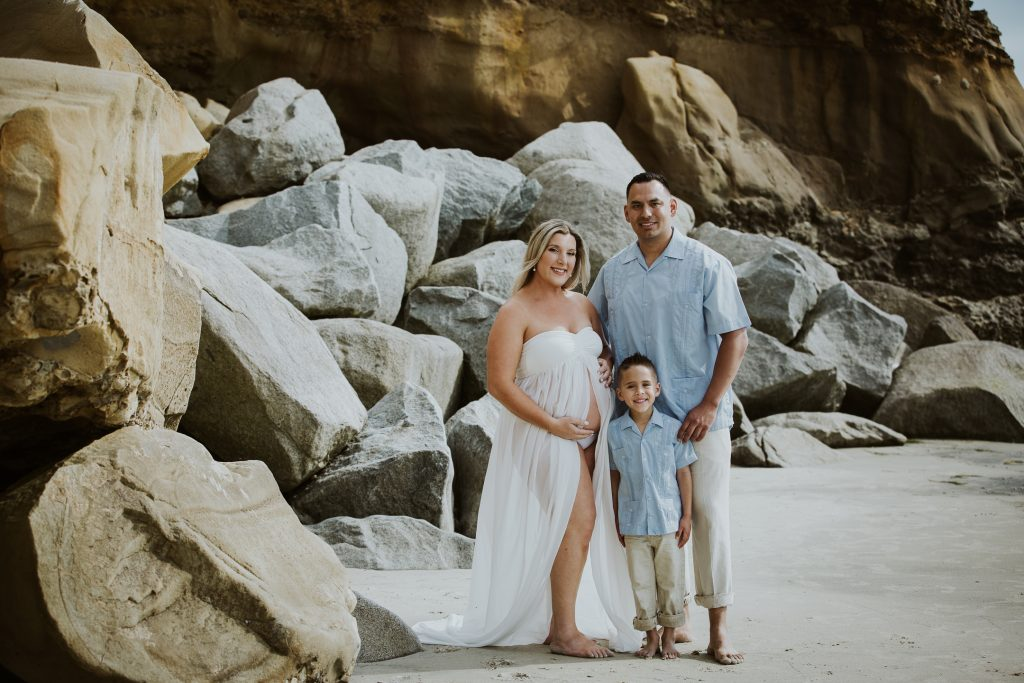 MATERNITY and FAMILY photos: Scripps Beach Pier